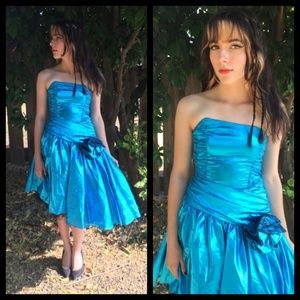 Amazing! Vtg 80s blue metallic prom dress!